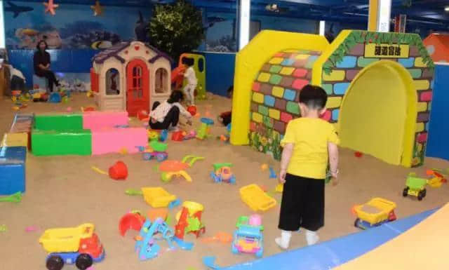indoor playground sand pool