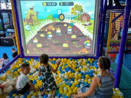 The interactive games ball hit equipment for indoor playground