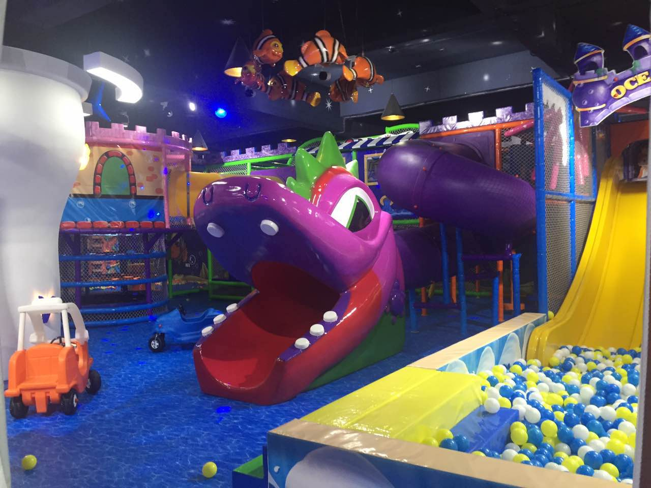 latest indoor playground equipment