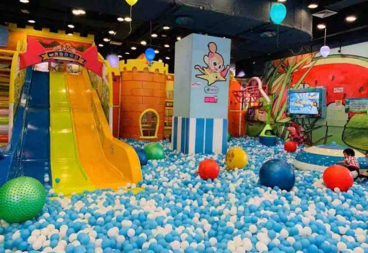 keep indoor playground cleaning